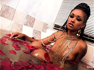 enticing vampy flesh gets a wicked phat manstick in the tub