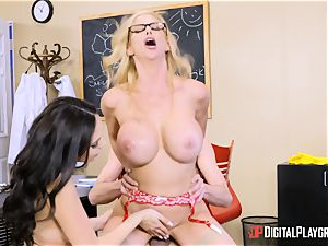 Alexis Fawx and Ariana Marie throating geek penis