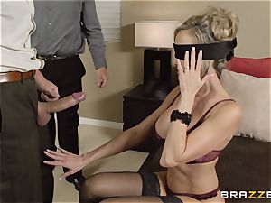 The hubby of Brandi love lets her pulverize a different fellow