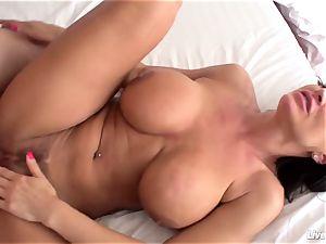 LiveGonzo Lisa Ann Mature xxx superb fuck