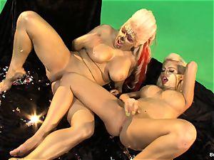 Britney Amber Gold lesbos