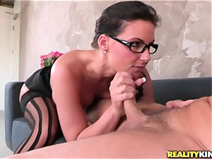 Phoenix Marie wraps her lips obese a firm man meat
