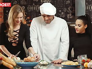 LETSDOEIT - hump Cooking With honeys Apolonia and Angel