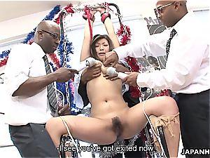 chinese bi-atch shrieks as she gets played by dark-hued folks