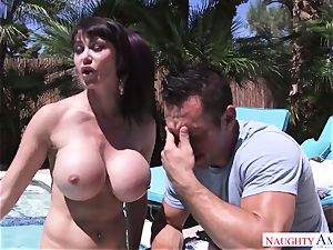 stellar mummy with mega bra-stuffers wants to get her donk penetrating by her stepson