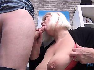 warm mummy Lacey Starr knob deepthroating