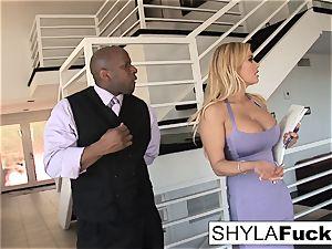 Shyla Takes A immense man rod