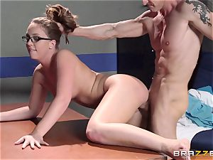 Nurse Maddy OReilly puts things right with a banging