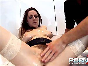 PORNXN going knuckle deep Samantha Bentley