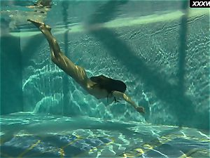 Russaka the super-sexy blackhaired mermaid