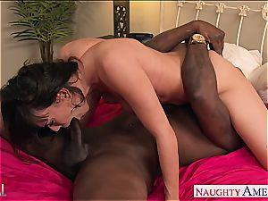 dark-skinned haired babe Dana DeArmond gapes her rear for beef whistle
