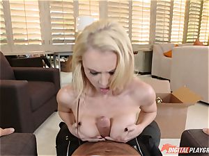 light-haired cutie Alix Lynx downs on prick