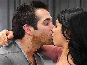 Gina Valentina loves filthy kitchen fuckfest