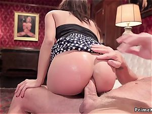 Butler takes control on mom and her nubile