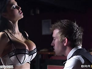 killer chesty waitress Jasmine Jae gets her cock-squeezing puss drilled by Danny