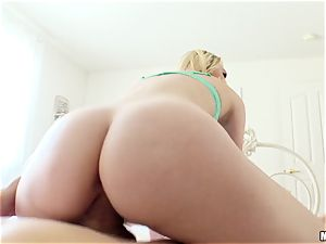 Lily Rader caught messing with her poon crevasse