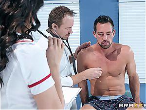 molten latina nurse sucking off the surprised patient