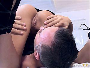 Getting a crazy massage from pretty ultra-cutie Subil bend